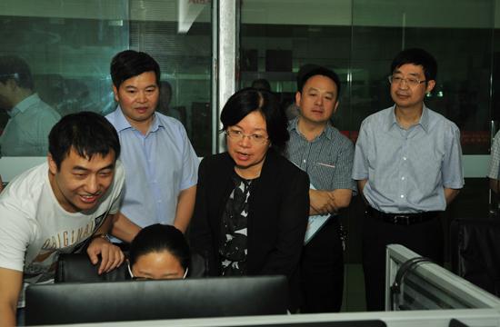 江苏省人社厅领导来我县调研创业就业工作